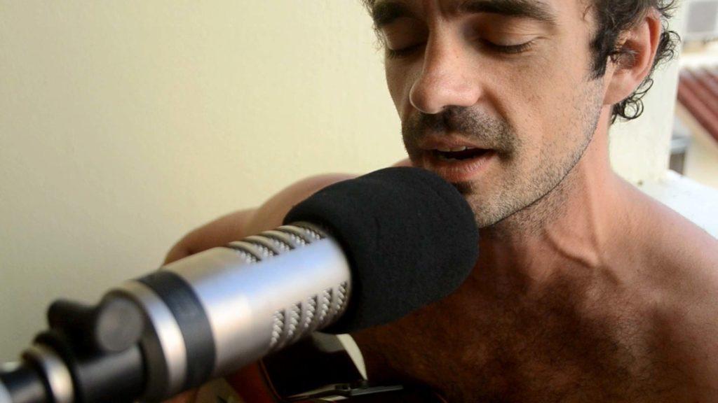 Lincoln Davis sings